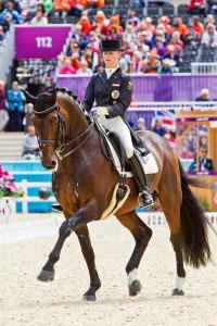 Victoria Max-Theurer auf Augustin bei den Olympischen Spielen in London 2012 / Foto: Michael Rzepa